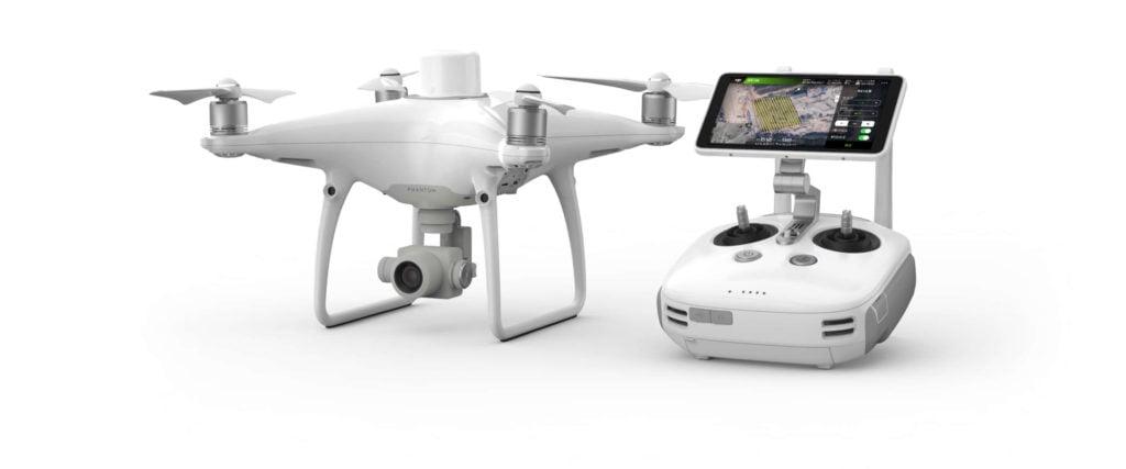 Dron Phantom 4 RTK z aparaturą strującą