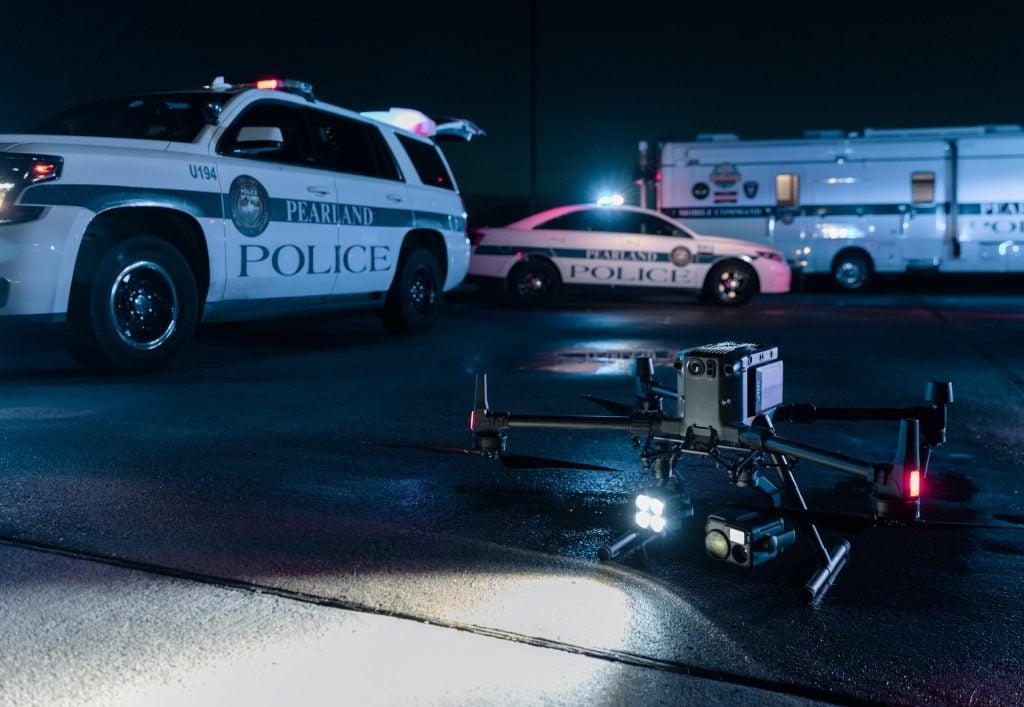 Dron Matrice 300 RTK z kamerą termowizyjną H20T Bezpieczeństwo publiczne