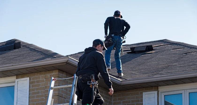 Ryzyko związane z inspekcją dachu przy użyciu tradycyjnych metod