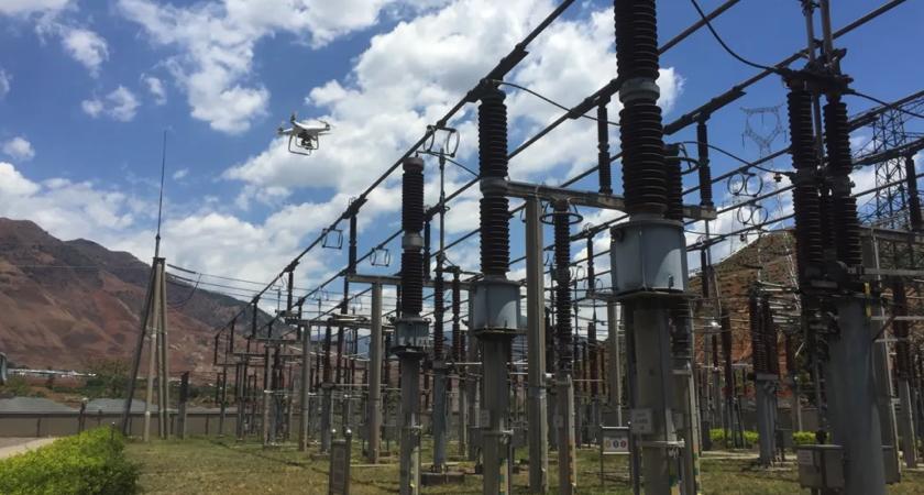 Inspekcja podstacji elektrycznej za pomocą drona dji phantom 4 rtk