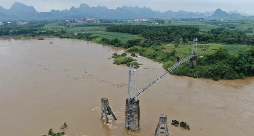 zautomatyzowana inspekcja wiszących mostów za pomocą dronów
